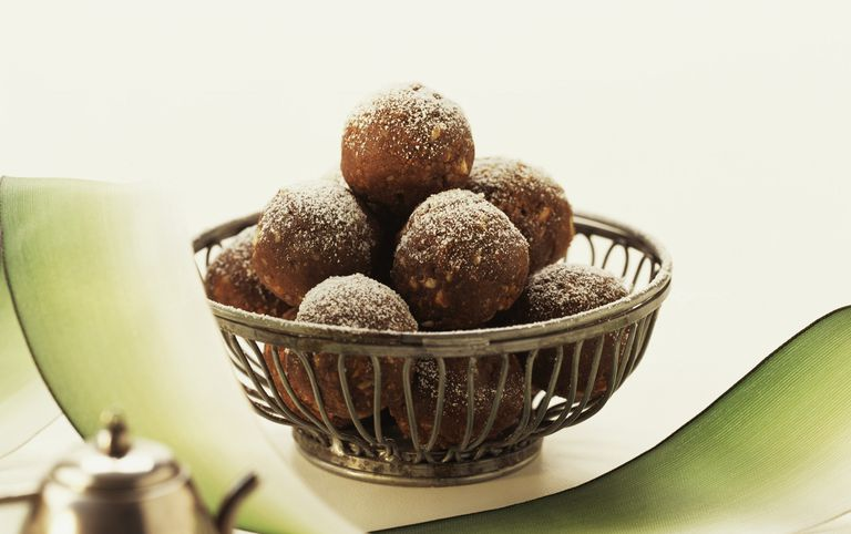 Essayez ces boules de chocolat au rhum sans gluten qui..